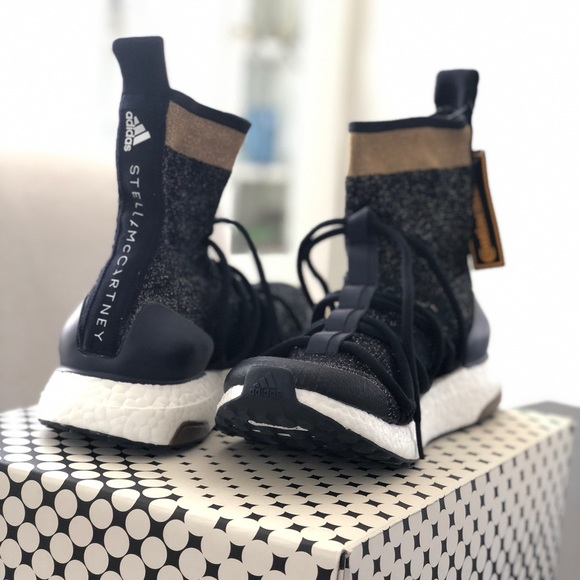 new arrival 552ad 7eeff Stella McCartney Ultraboost X Mid Shoes